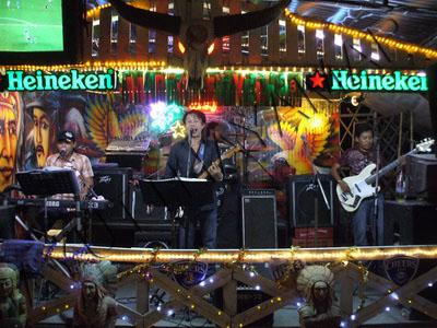 Cowboy city bar ayutthaya thailand bar live music for Ayutthaya thai cuisine bar